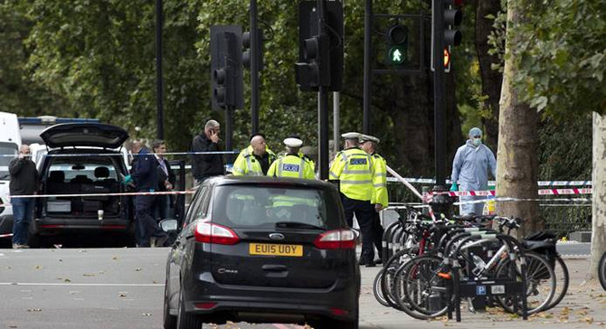 Londra'da araç yayaların arasına daldı: 11 yaralı