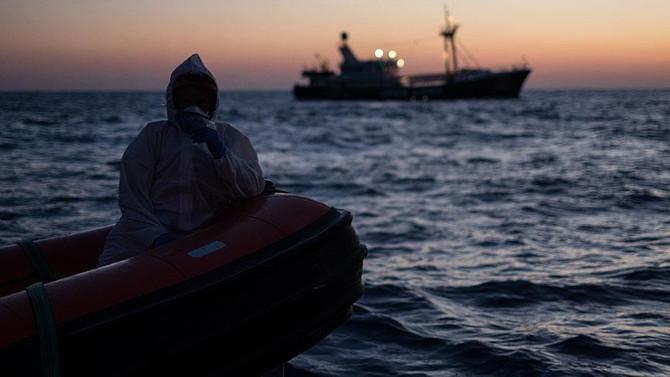 Kaçak göçmenleri taşıyan tekne kaza yaptı: 8 ölü