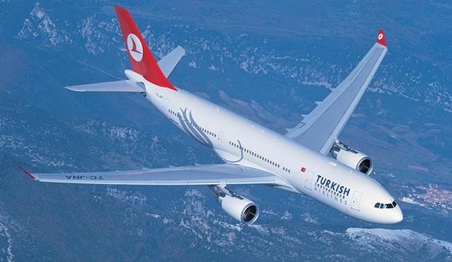 THY uçağı, koku nedeniyle acil iniş yaptı