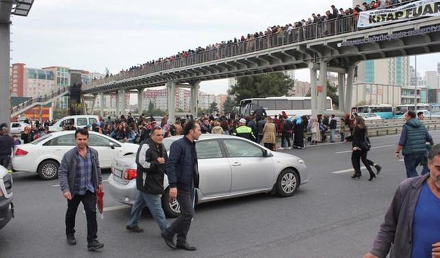 İstanbul'da kitap fuarı izdihamı