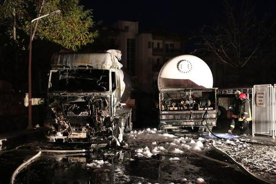 Denizli'de akaryakıt istasyonunda patlama: 2 yaralı