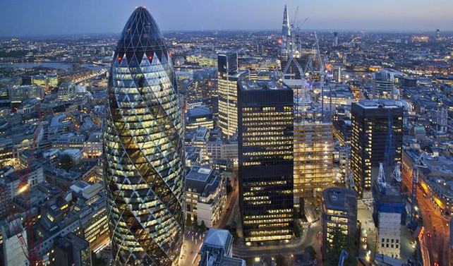 Londra, Brexit'e rağmen finans merkezi olarak kalacak