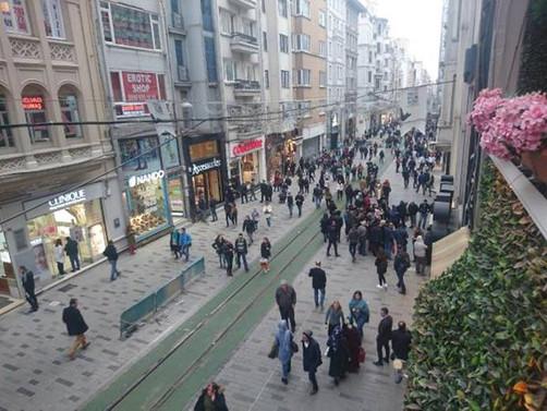 İstiklal Caddesi'nde 'yeşil' yol