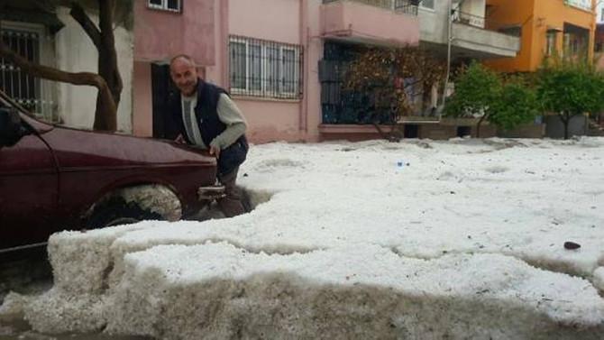 Mersin'de şiddetli yağış ve dolu