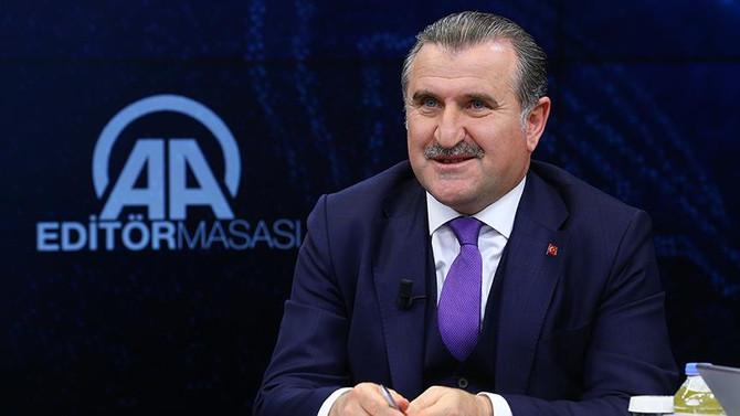 Bak: Milli Takım'a Türk hoca