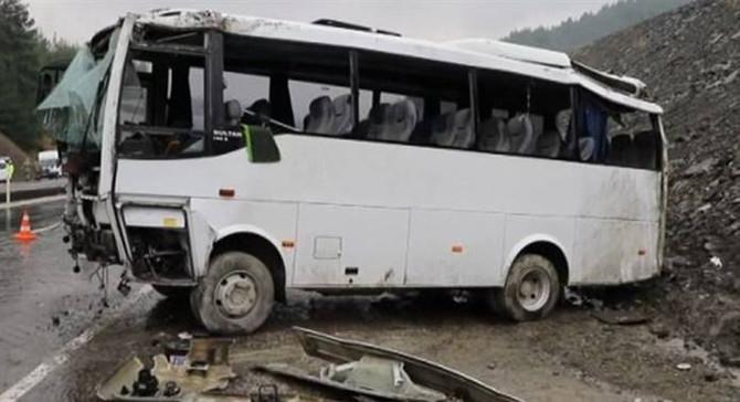 Kahramanmaraş'ta askeri minibüs devrildi: 18 yaralı