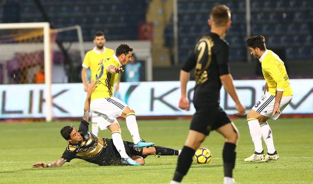 Fenerbahçe deplasmanda tek puanla yetindi