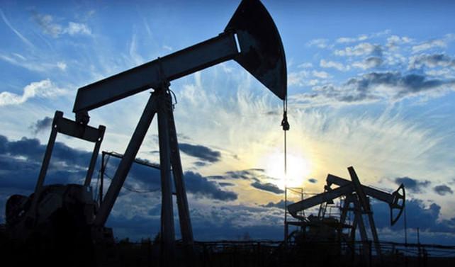 Petrol 2.5 yılın zirvesine tırmandı