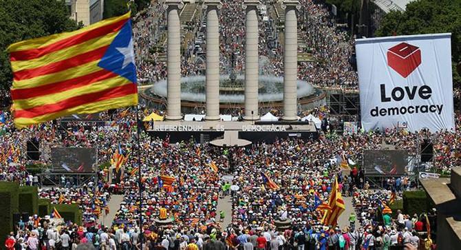 İspanya Anayasa Mahkemesi referandumu iptal etti