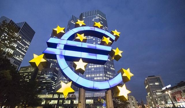 Euro Bölgesi 10 yılın en hızlı büyümesini yaşıyor