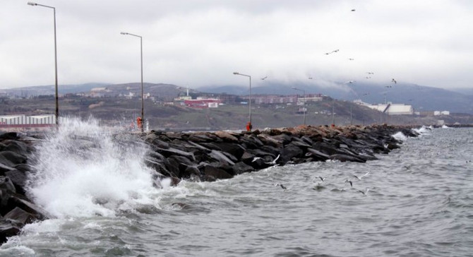 Marmara'da lodos etkili oluyor