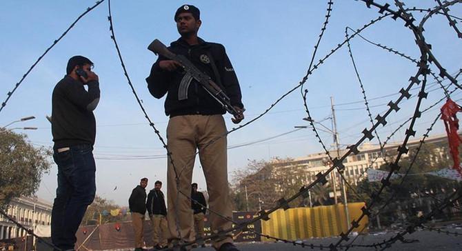 Pakistan'da üniversite yurduna saldırı: 11 ölü
