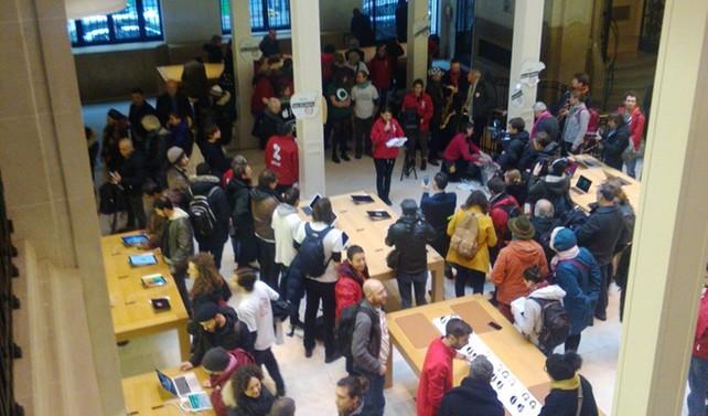 Paris'teki Apple mağazasına vergini öde baskını