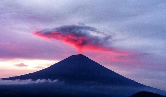 Agung Yanardağı'ndaki hareketlilik