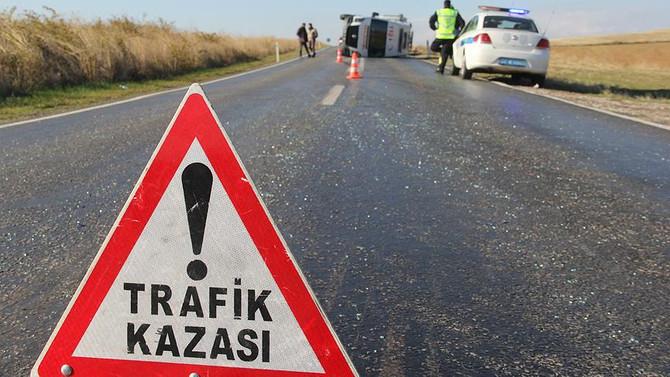 Kars'ta yolcu otobüsü devrildi: 30 yaralı