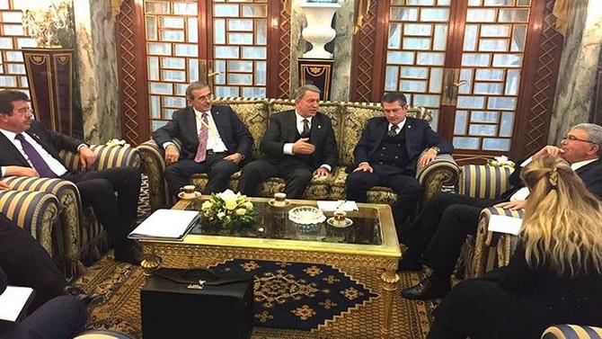 Akar, Tunus Savunma Bakanı ile görüştü