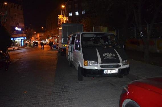 İstanbul'da bir bombalı araç daha yakalandı