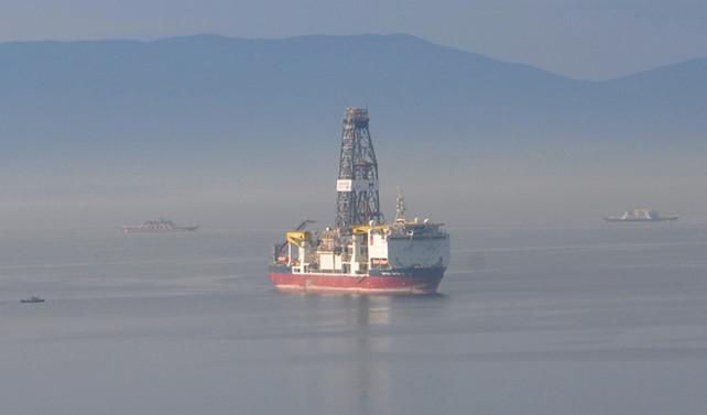 'Türkiye'nin ilk sondaj gemisi' İzmit Körfezi'nde
