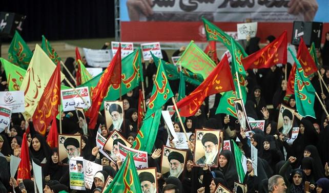 İran'da rejim yanlıları karşı eylem düzenledi