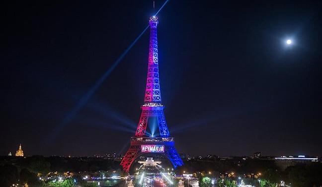 Fransa'da yılbaşı gecesi 140 bin güvenlik görevlisi görev yapacak
