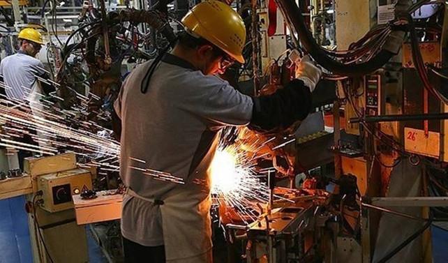 Sanayi üretimi ekimde beklentileri aştı