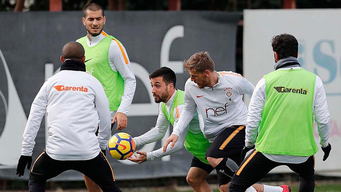 Galatasaray çıkış peşinde