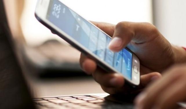 AB 'roaming' ücretiyle vedalaşıyor