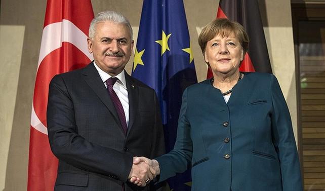 Başbakan Yıldırım, Merkel'le görüştü