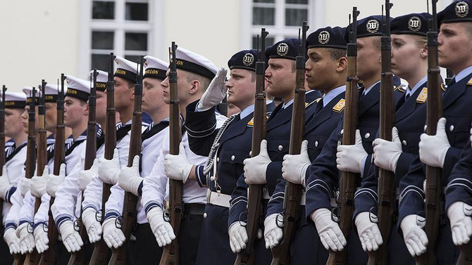Almanya asker sayısını artıracak
