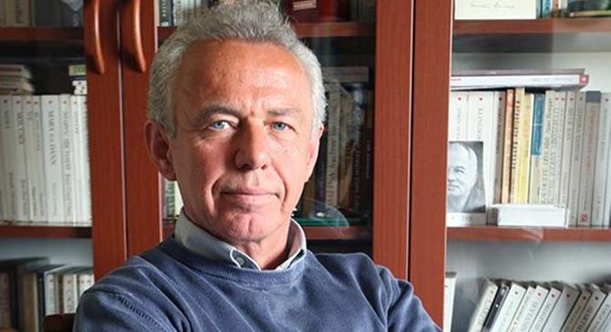 Bursa Kitap Fuarı'nın onur konuğu Cemil Kavukçu