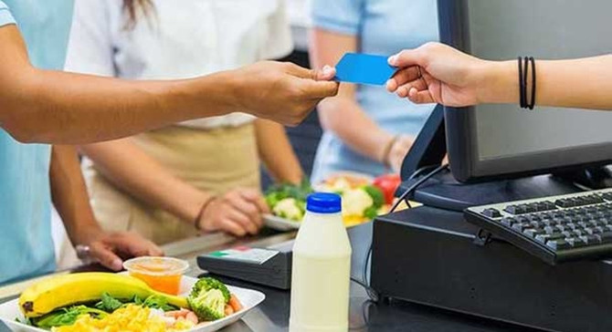 Komisyonun bunalttığı esnaf yeni milli yemek kartı çıkaracak