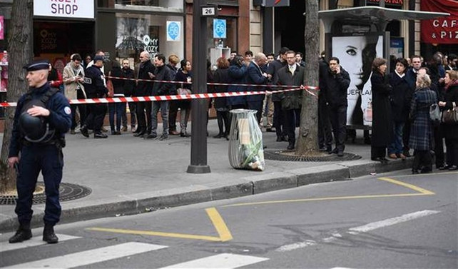 Paris'te bomba alarmı
