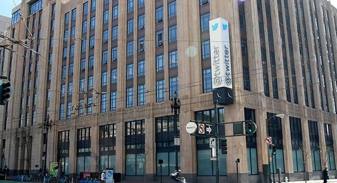 Twitter 'şiddet ve terör' gerekçesiyle binlerce hesabı askıya aldı
