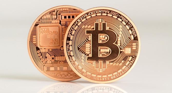 Bitcoin,  ons altın fiyatını solladı!