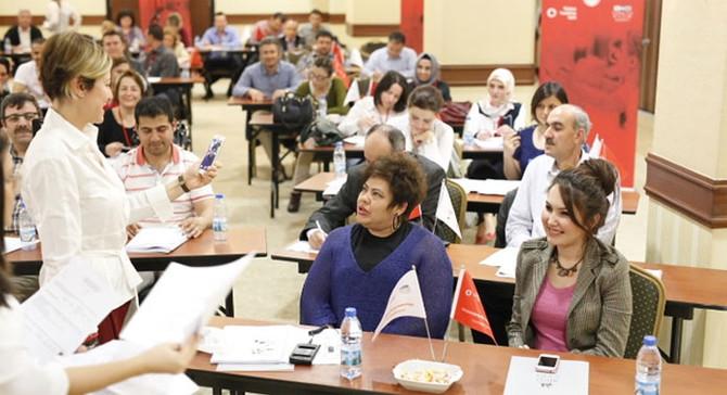 Vodafone, 10 ilde 10 bin kadına girişimcilik eğitimi verecek