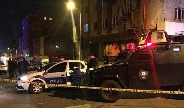 Ataşehir'de polis aracına silahlı saldırı