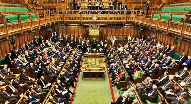 İngiliz parlamentosu erken seçimi onayladı