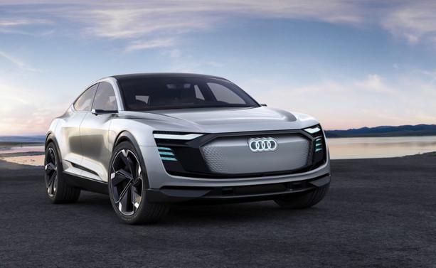 Audi geleceğin spor otomobili e-tron Sportback'i tanıttı