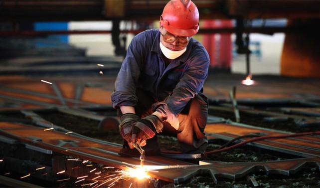 Çin'de imalat nisanda hız kesti