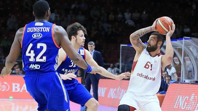 Anadolu Efes ile Galatasaray Odeabank son randevuda