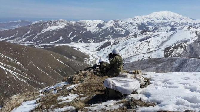 Hakkari ve Bitlis'te 2 terörist etkisiz hale getirildi