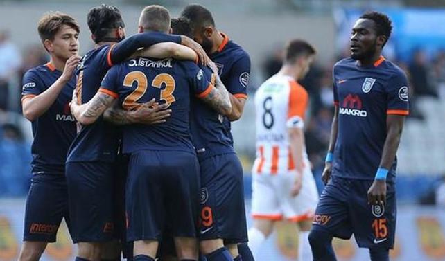 Medipol Başakşehir son dakika golüyle kazandı