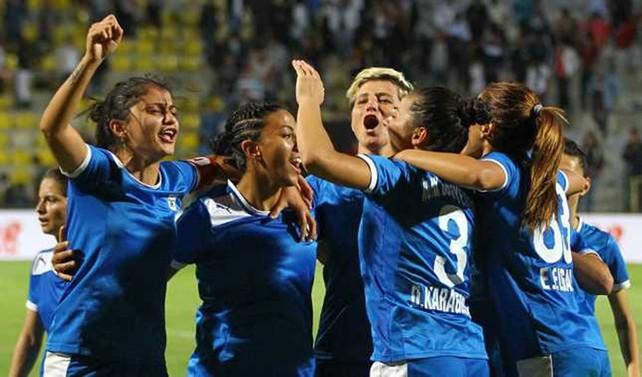 Kadınlar Futbol 1. Ligi'nde şampiyon Konak Belediyespor
