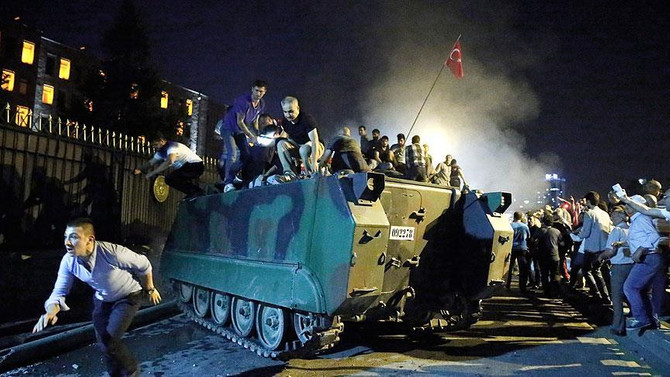 'Jandarma darbede yer alsaydı 'iç savaş' kaçınılmazdı'