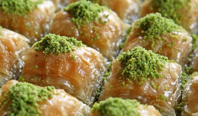 Beşiktaşlılar 6 ton baklava yedi