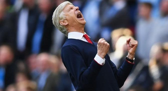 Arsenal, Wenger'le sözleşme yeniledi