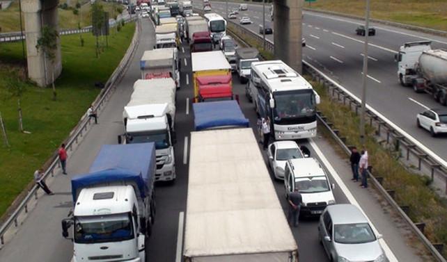Yunanistan'daki grev tır trafiğini etkileyecek