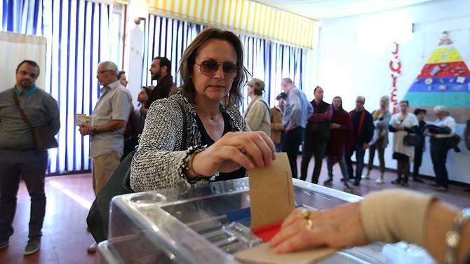 Fransa'da genel seçimin ilk turu yarın yapılacak