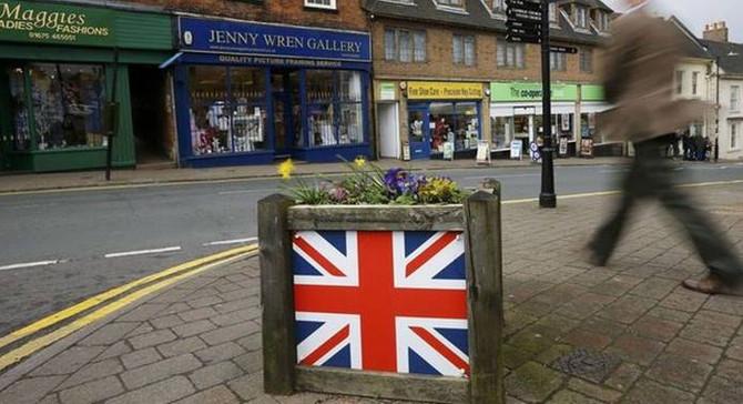İngiltere'de perakende satışlar daraldı