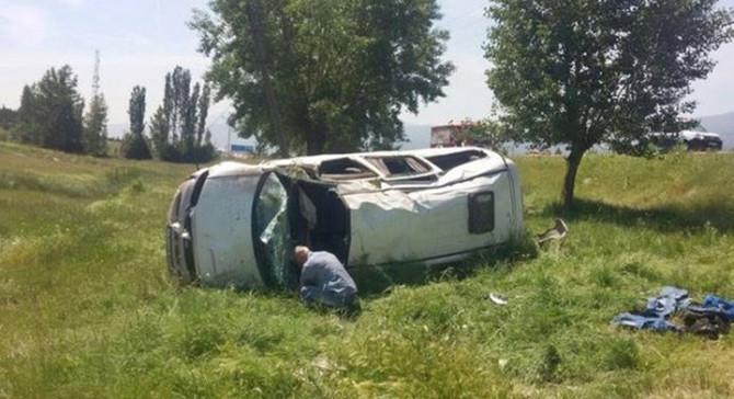 Kütahya'da minibüs devrildi: 10 yaralı